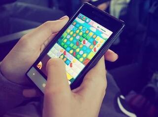 手机一天赚50左右游戏(玩的好一天能赚100元)